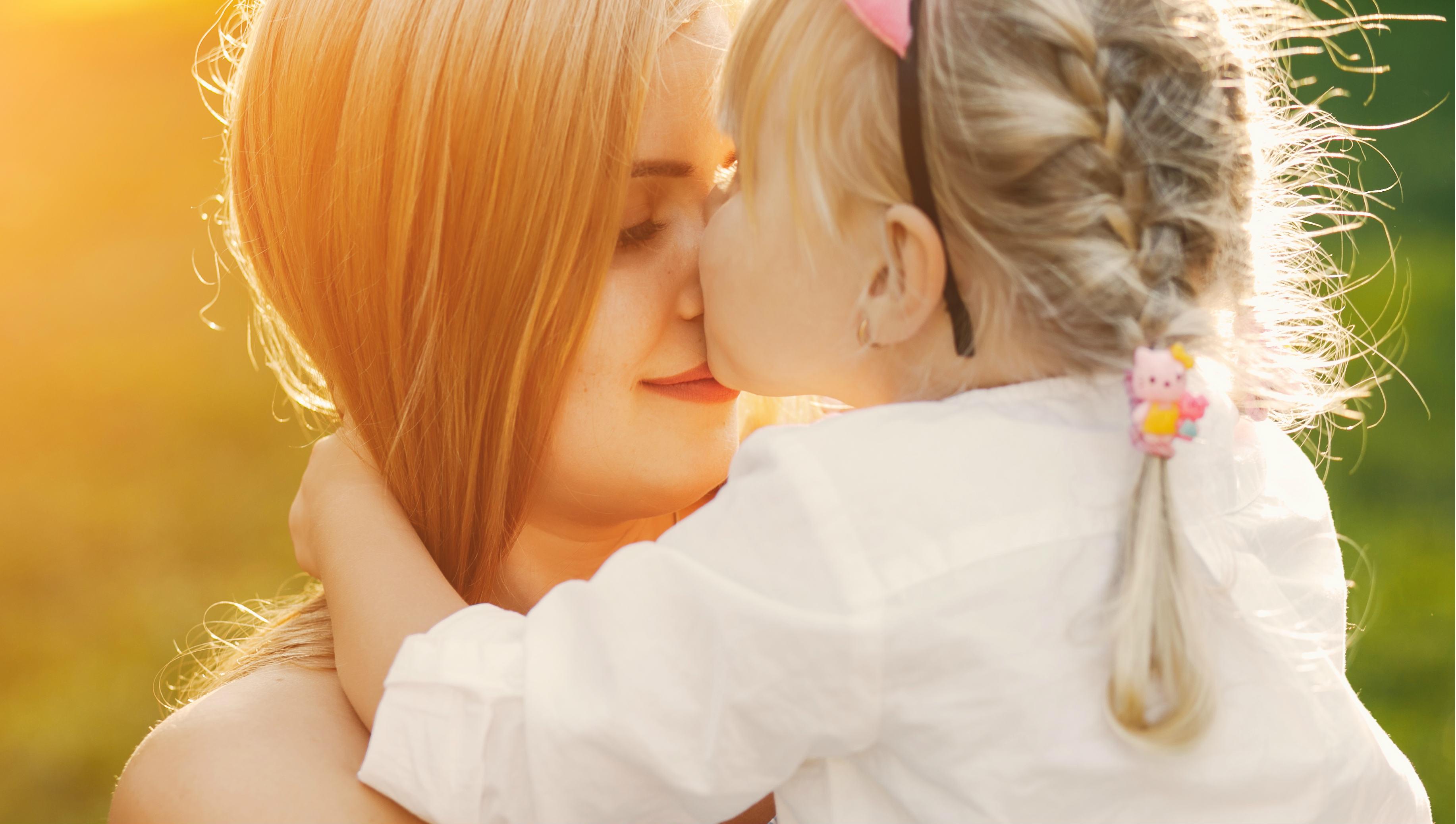 soin parent enfant - Designed by prostooleh / Freepik